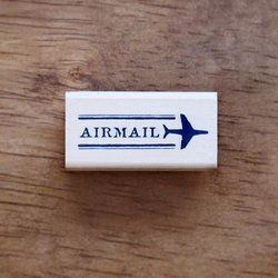 Stempel Airmail vliegtuig 4x2cm p/st hout