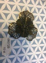 Brons Bloem 3 bladeren  5 cm per stuk brons