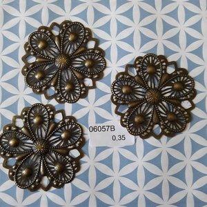 Filigraan bloem plat 5 bladeren met tippen 5 cm per stuk brons