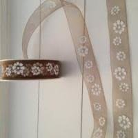 Lint organza bloemen 25mm p/m taupe/wit